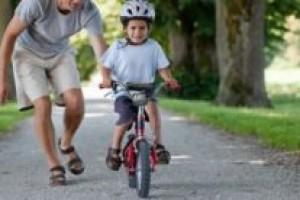 10 простых советов как научить ребенка кататься на велосипеде