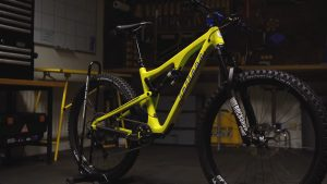 Задний амортизатор велосипеда