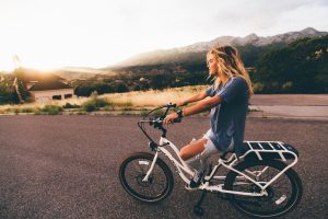 Девушка_на_женском_велосипеде