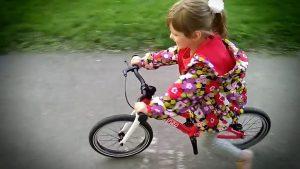 Детский велобайк с открученными педалями